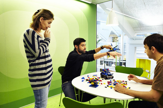 14095584418752 desktop 1406831945 These cool office designs can make even the dullest task fun!