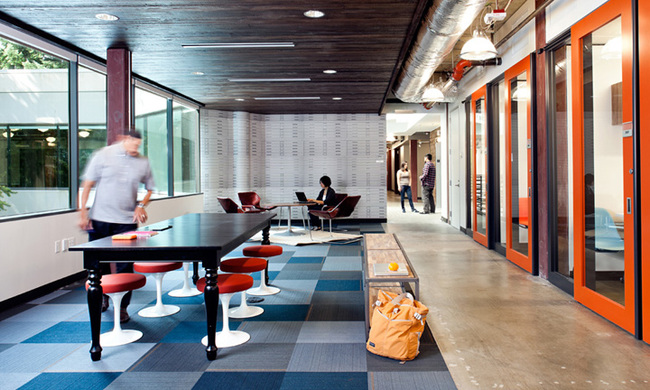 14095584439757 desktop 1406832169 These cool office designs can make even the dullest task fun!