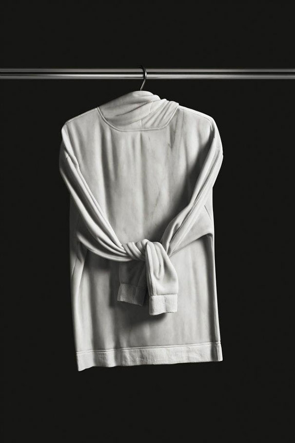 14095591027532 elegy of resistance marble clothes alex seton 4 Cozy clothes which are actually made up of stone. Amazing!