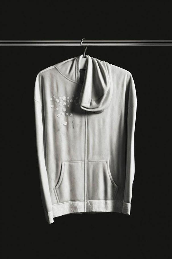 14095591048574 elegy of resistance marble clothes alex seton 12 Cozy clothes which are actually made up of stone. Amazing!