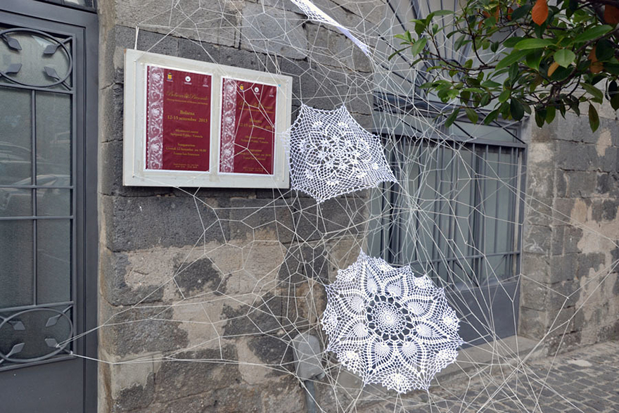 1409559182818 crochet lace street art nespoon 5 Intricate Lace design on Poland city streets will leave you spellbound!