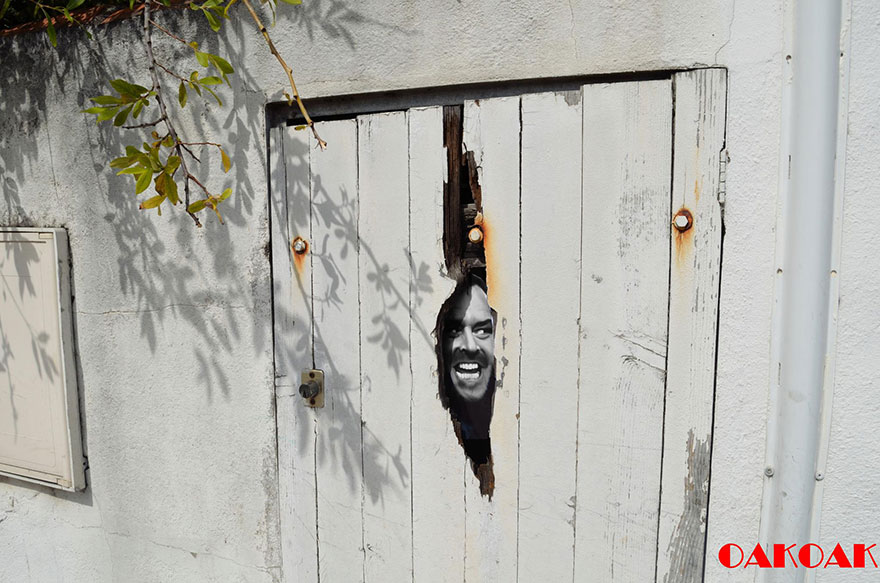 14100589041276 creative street art oakoak 2 31 Fabulous Street Art that will make you AWESTRUCK!