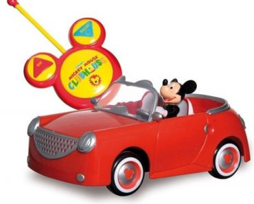 Mickey Mouse and Spongebob Caught on Video in a Bizarre Road Rage